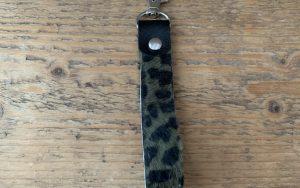 Sleutelhanger leer luipaard groen